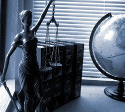 Dama de la Justicia - Documentos legales